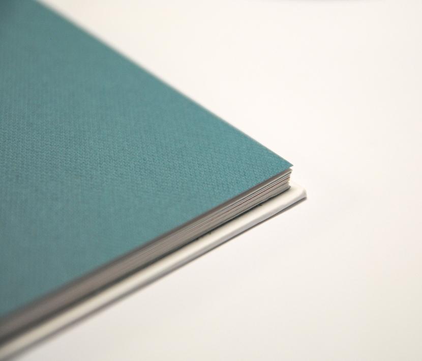 Libro blanco encuadernación